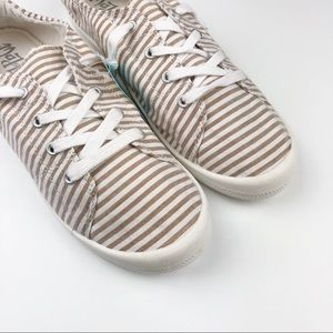 Mad Love | Lennie Lace Up Sneakers | NWT
